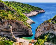Isla Stiniva en Croacia, la mejor playa de Europa