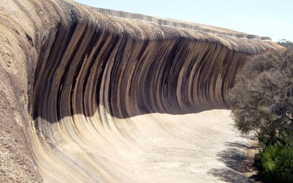 roca en forma de ola wave rock hyden australia