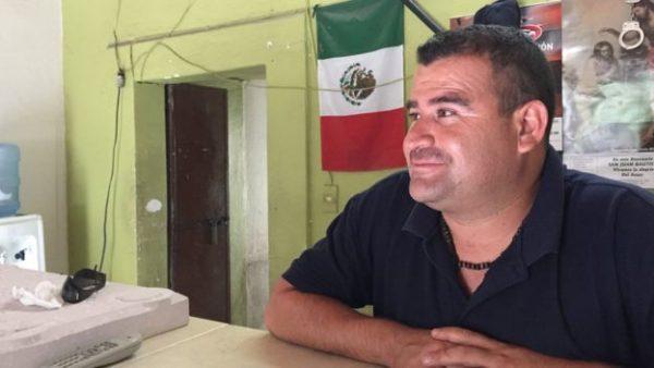 unico policia pueblo mexico