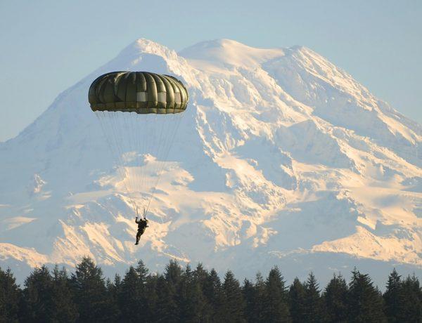 4 sitios ideales en México para saltar en paracaídas