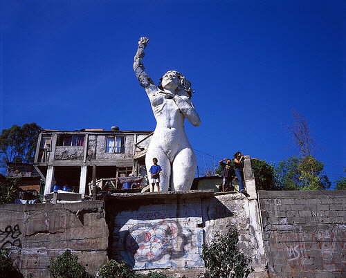 Casa Mujer Monumental