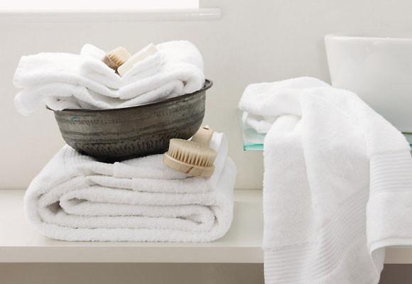 Descubre las maneras más sencillas y económicas de blanquear tus toallas