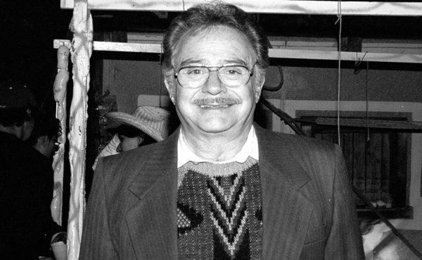 Fallece Polo Ortín, actor mexicano que interpretó a Don Roque de la serie 'Vecinos'