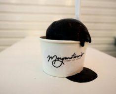 ¿Te atreverías a probar este helado de color negro?