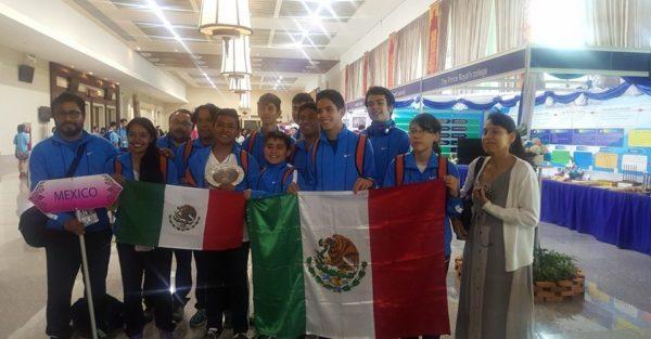 Jóvenes mexicanos viajaron a Tailandia y ganaron medalla de bronce en matemáticas