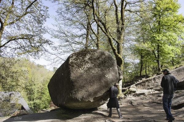 La roca temblante de Huelgoat, ¡137 toneladas que hasta tú podrías mover!