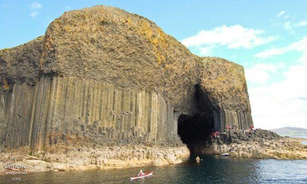 Las espectaculares cuevas en la isla de Staffa