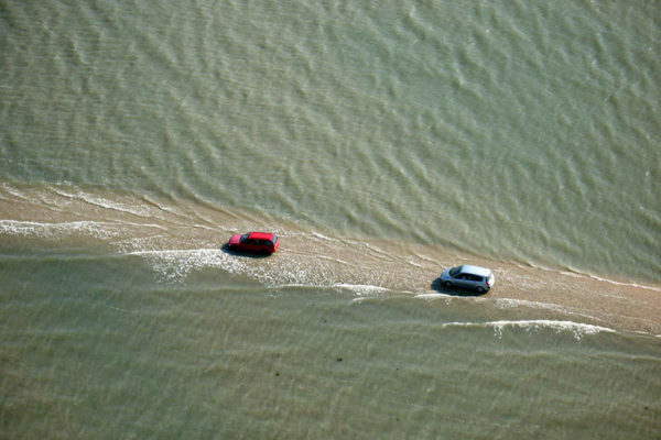 passage du gois francia Esta carretera francesa desaparece bajo el agua dos veces cada día