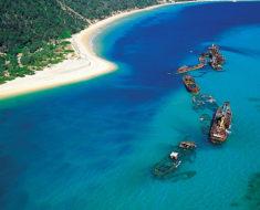 El encanto de los naufragios de Tangalooma Wrecks en Moreton Island