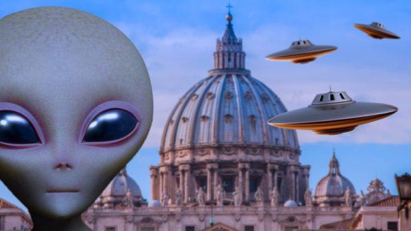 Vaticano confirma la vida de extraterrestres y que la guerra espacial está por comenzar