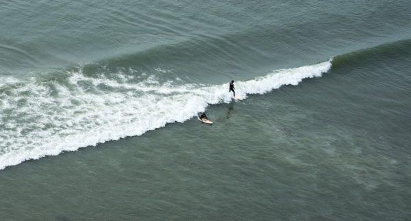 puerto chicama peru surfing