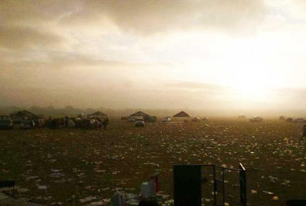 Mira cómo quedó el terreno en donde se celebraron los XV de Rubí.