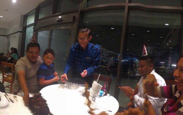 cumpleaños mesas reservadas familia no aparecio
