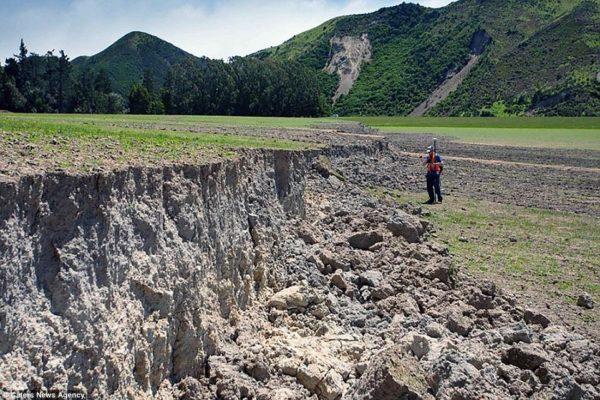 terremoto-en-nueva-zelanda-muro-paisaje-3