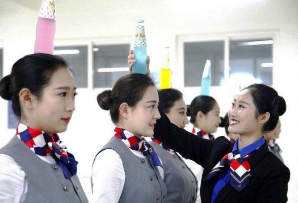 Así es como se entrenan las azafatas de China