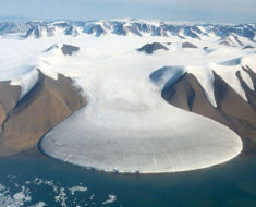 """El glaciar """"Pata de Elefante"""", una de las maravillas naturales del mundo del hielo"""