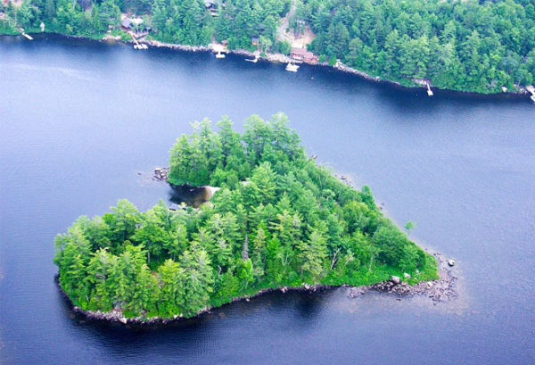 isla petra corazon nueva york