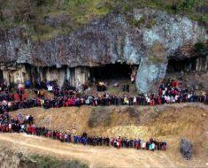 Un chino logró reunir a los 500 miembros de su familia para tomarse una foto