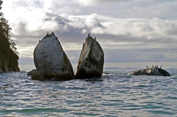 split apple rock australia