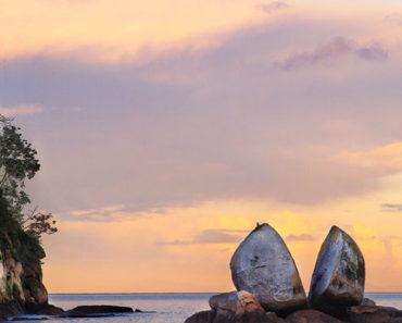 La Apasionante Historia de La Roca de la Manzana Partida