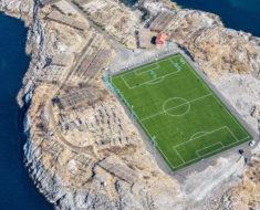 campo de futbol Henningsvaer Noruega