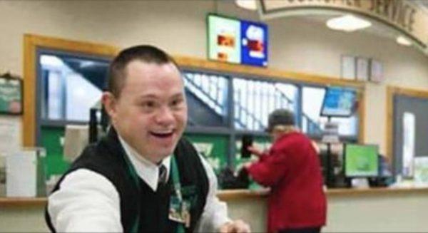 """Insultó a un empleado llamándolo """"mongolo"""" y esta fue la respuesta de la tienda"""