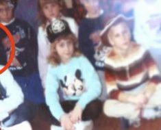 Maestra encontró una foto de hace 30 años. Lo que vio en la esquina izquierda la dejo sorprendida