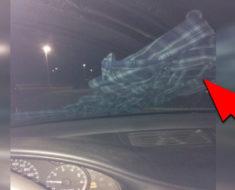 Cuando veas ROPA en el parabrisas de tu AUTO por ningún motivo la toques