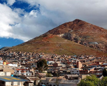 La misteriosa montaña que come hombres en Bolivia