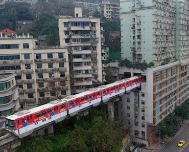 Te imaginas una parada de metro en el interior de tu casa. Pues es posible en China
