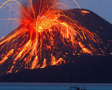 Krakatoa en Indonesia, el volcán más peligroso del mundo