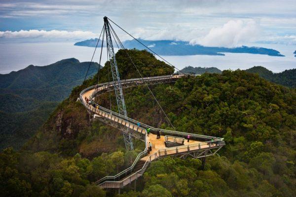 Este es el puente colgante más impresionante que existe en Malasia