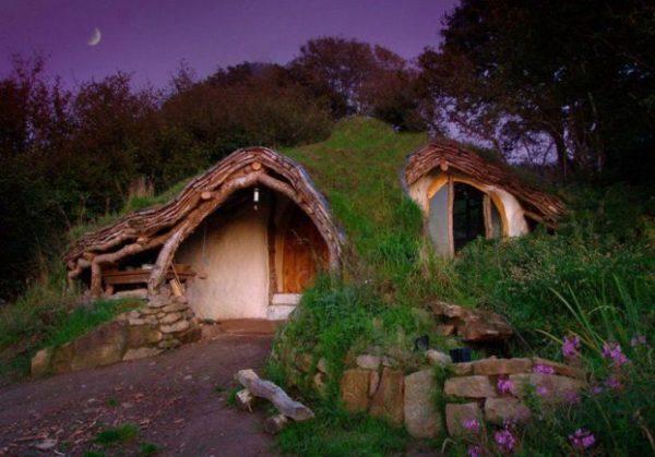 Casa Hobbit, Gales