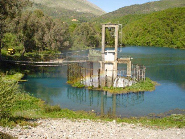 Blue Eye, un pequeño paraíso en Albania