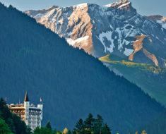 Gstaad, un refugio en los Alpes Suizos solo para millonarios