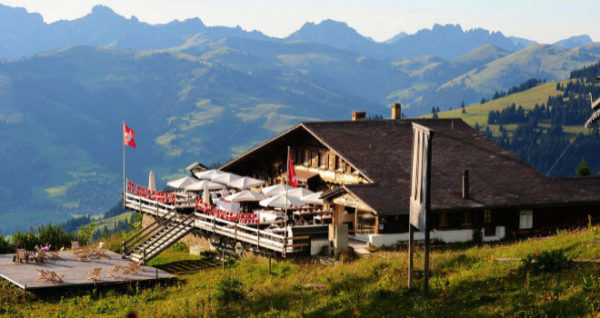 Gstaad, un refugio en los Alpes Suizos