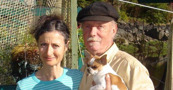 Esta pareja recogió durante 24 años lo que otros habían tirado y lo convirtió en una casa idílica