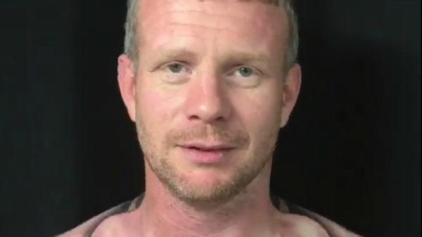Alucinarás con el tatuaje que este hombre se hizo en el pecho