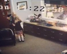 El entrañable momento en el que una niña se entera que será adoptada (Video)