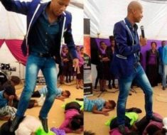 """Pastor se cree santo, para no pisar el """"suelo pecaminoso"""" usa niños como alfombra…"""