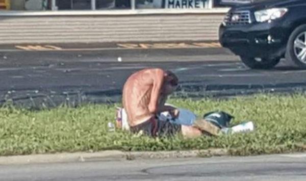 Se encontró con un hombre desnutrido en las calles y entonces ocurrió lo increíble