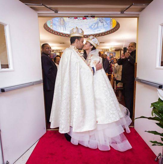 Ella conoce al amor de su vida – pero cuando llega la boda descubre la alucinante verdad
