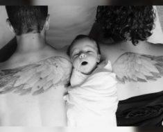 Hermosa foto familiar para homenajear a su primer bebé que falleció con 14 meses