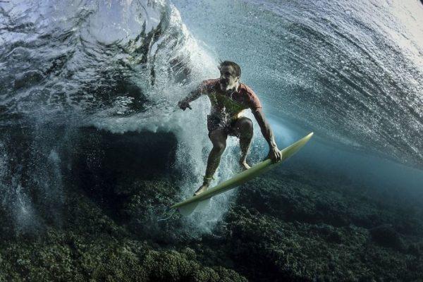 Bajo la ola, Tavarua, Fiji