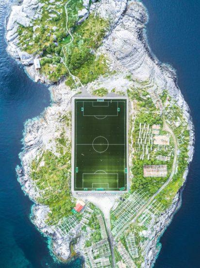 Campo de fútbol Henningsvær, Nordland, Noruega