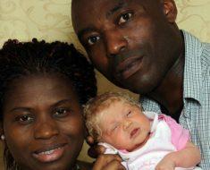 Padres quedan en shock cuando su bebé nace con cabello rubio