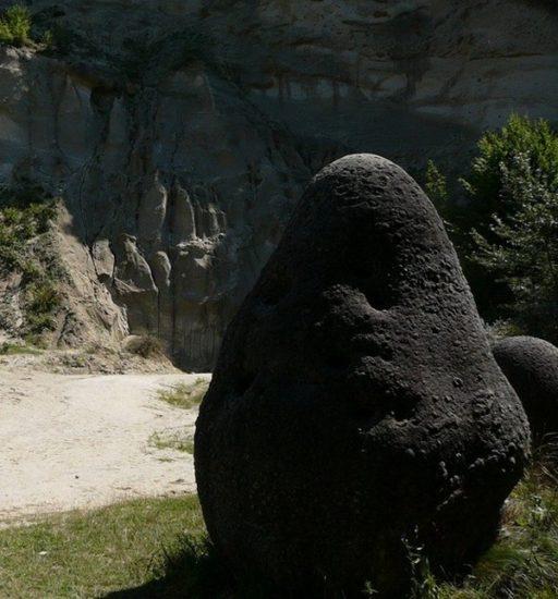 Trovants: las piedras vivas que crecen, respiran y se mueven