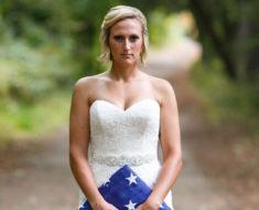 Novia se niega a cancelar la sesión de fotos pese a que el novio fue asesinado justo antes de su boda