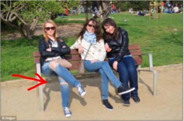 Hay un error en la imagen de las chicas, pero solo 1 de cada 10 lo descubren en el primer intento