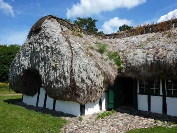 isla laeso dinamarca casas hechas con algas